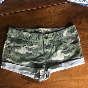 JUSTICE SHORTS SIZE 12 1/2